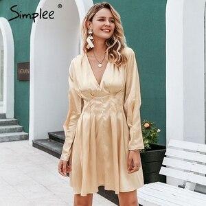 Image 2 - Simplee Sexy v neck satynowa sukienka damska z długim rękawem plisowana jesienno zimowa sukienki damskie mini moda do klubu na imprezę ladies vestidos