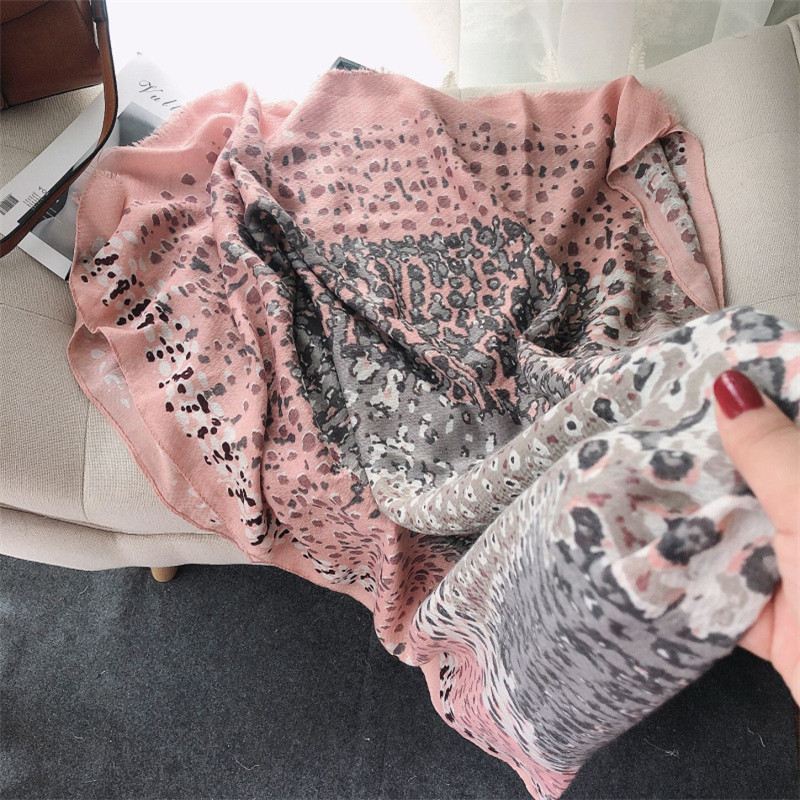 2020 Fashion Painting Leopard Dot Viscose Shawl Scarf Lady Print Hijabs And Wraps Foulard Pashminas Stole Muslim Sjaal 180*90Cm