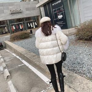 Image 5 - MISHOW 2019 חורף נשים 90% ברווז למטה לבן עבה מעיל אופנה נשי ברדס פרווה צווארון קצר עבה למטה מעיל MX19D8869