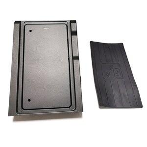 Image 4 - Cargador inalámbrico QI de 10W para coche, placa de carga para BMW X5 G05 2019 2020, accesorios de cargador de teléfono para iPhone y Samsung
