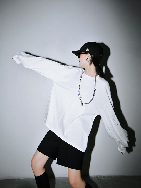 [EAM] Women White Black Split Joint Big Size T-shirt New Round Neck Long Sleeve  Fashion Tide  Spring Autumn 2021 1R942 6
