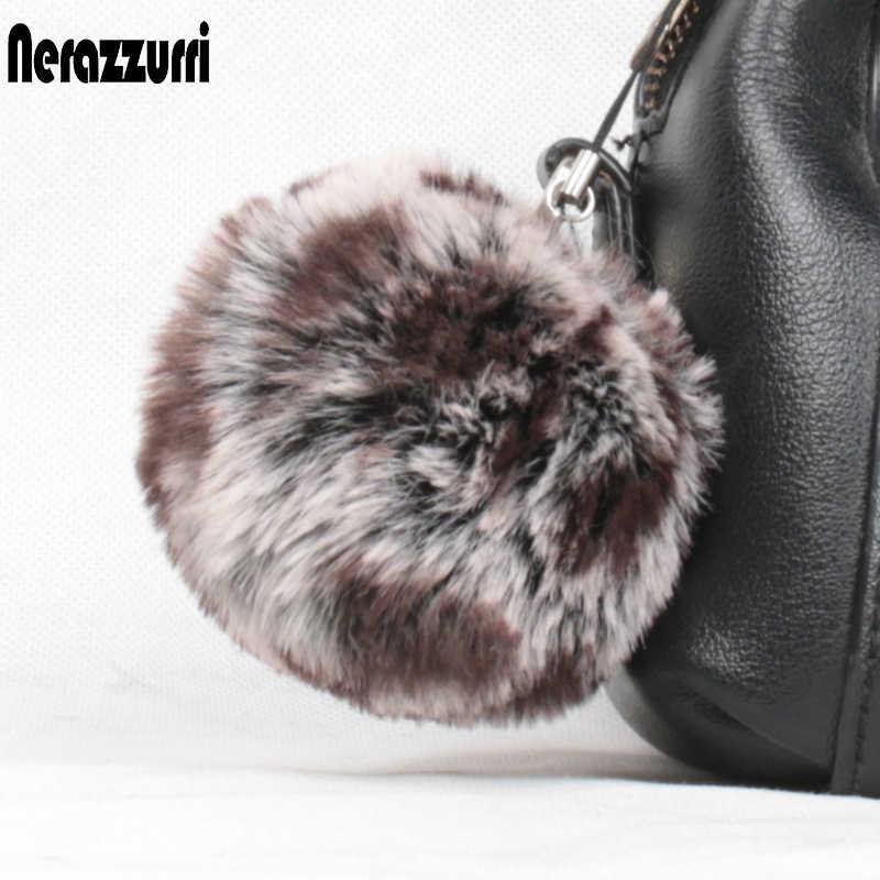 Nerazzurri fulffy pompom keychain charme saco pompom pompom decoração para as mulheres peludo da pele do falso para chapéus