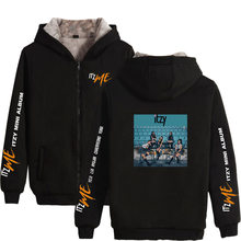 Kpop Itzy It'z Me Album Vrouwen/Mannen Hoodies Sweatshirts Yuna Ryujin Chaeryeong Lia Yeji Winter Dikke Warme Rits Hooded jas(China)
