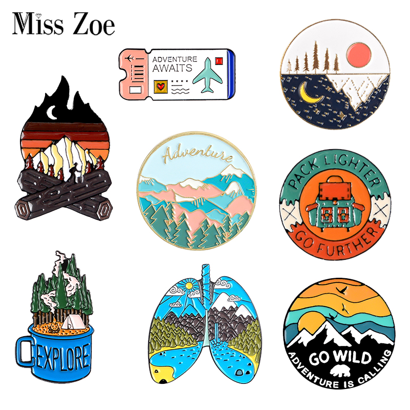 Outdoors Mountain Starry Night Enamel Pin Custom Wild Camping Hiking Brooches Bag Clothes Lapel Pin Adventure Badge Jewelry Gift