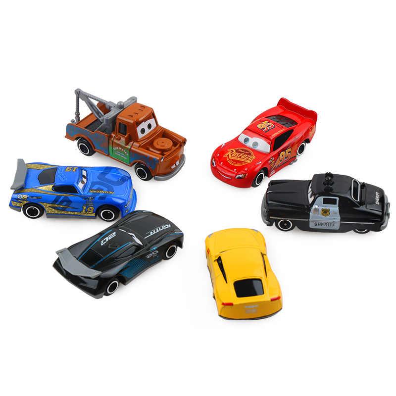 7 adet/takım Disney Pixar araba 3 yıldırım McQueen Jackson fırtına Mack amca kamyon 1:55 Diecast Metal araba modeli oyuncak çocuk noel hediyesi