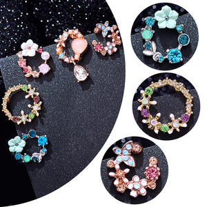 MISANANRYNE Fashion Korean Style Colorful Rhinestone Wreath Stud Earrings For Women Sweet Small Circle Flower Earrings Jewelry