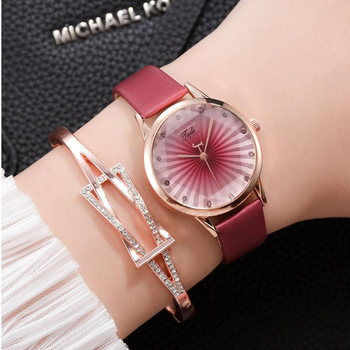 цена Genuine Leather Luxury Rhinestone Women's Watches Ore Glass Dial Buckle Alloy Wrist Watch Ladies Bracelet Quartz Watch Clock онлайн в 2017 году