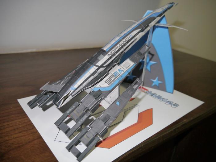 Mass Effect SR 2 Spacecraft 3D Paper Model DIY