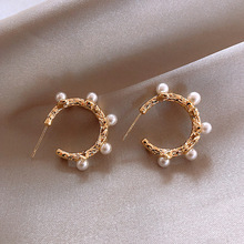Korean Style Sweet Simulated Pearl Hoop Earrings for Women Elegant White Round Gold Color Pearl Earrings Statement Jewelry Gift 2020 korean style simulated pearl tassel earrings for women sweet small pearl geometric gold color elegant drop earring jewelry