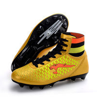 Mens High Top Rugby Boots Mesh Breathable Soccer Shoes Non slip Long Nails Women Sneakers Primary School Rugby Sneakers D0615