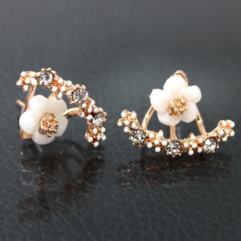 New Cute Small Daisy Flowers Stud Earrings For Women Korean Sweet crystal Flower Earring Girls Fashion Elegant Jewelry