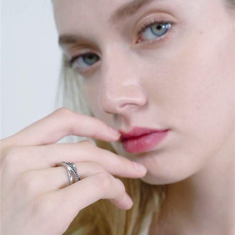 טבעת נישואים לנשים ספינל שחור   Baguet 1