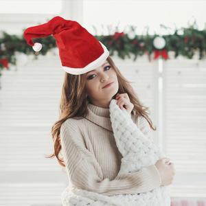 Elektrische Weihnachten Hut Rot Weiß Plüsch Santa Cap Musik Tanzen Swing Elektrische Weihnachten Hut Für Erwachsene Kinder Neue Jahr Geschenk
