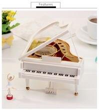 Музыкальная шкатулка в форме пианино с маленьким стулом креативный