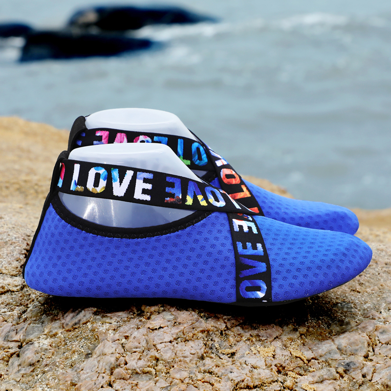 Men's shoes outdoor leisure sports shoes swimming shoes water sports shoes beach surf slippers upstream light sports shoes