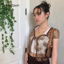 Sweetown brązowy Vintage Y2K koronkowy Crop Top z krótkim rękawem przepuszczalność seksowna siatka kobieta koszulki V sznurowany dekolt kwiatowy Kawaii ubrania