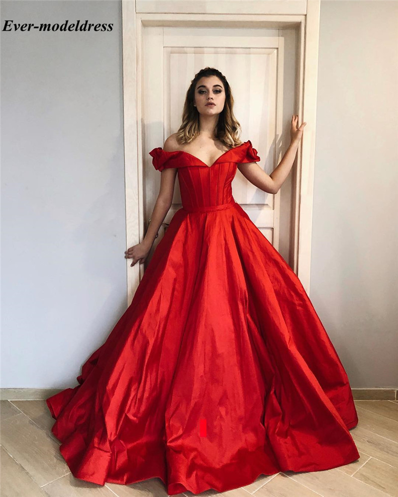 Vintage Red Prom Dresses Long 2019 Off The Shoulder Sleeveless Zipper Back Formal Graduation Evening Gowns Sweep Train Robe Gala