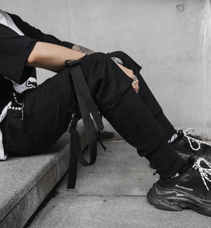 New Hip Hop Men Joggers 2019 Fashion Men Black Pants Multi-pocket Ribbons Man Sweatpants Streetwear Casual Mens Pants