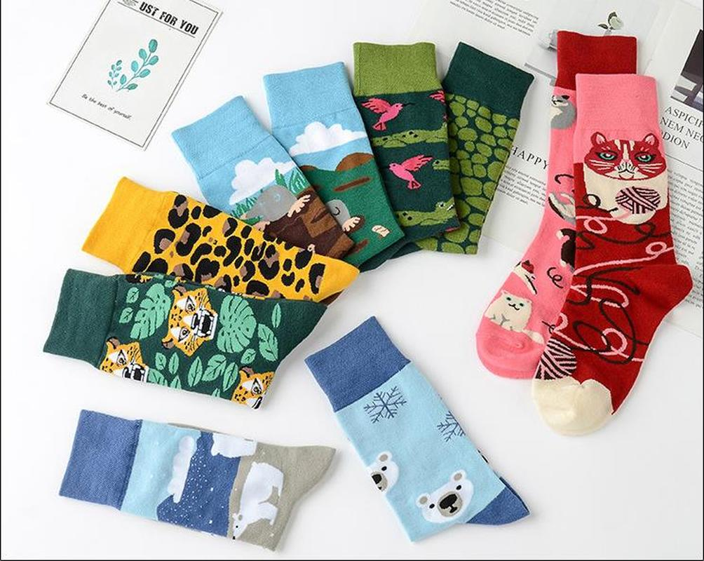 Funny Unisex Women Harajuku Long Cute Socks Left Right Different Monkey Banana Dog Music Cat Onion Juice Bear Noodle Men Socks