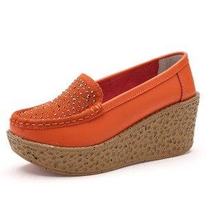 Image 2 - Beyarne outono sapatos femininos de couro de camurça leve sapatos casuais mocassins sola grossa aumento cunha sapatos de balanço zapatos