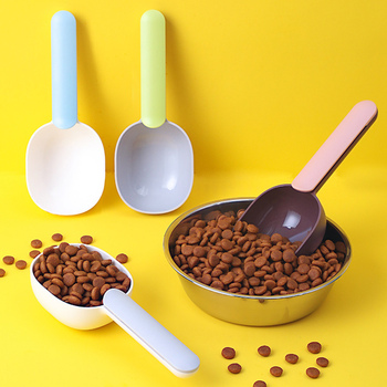 Multifunctional Dog Food Spoon Pet Feeding Spoon With Sealed Bag Clip Creative Measuring Cup Curved Design,Easy To Clean 2