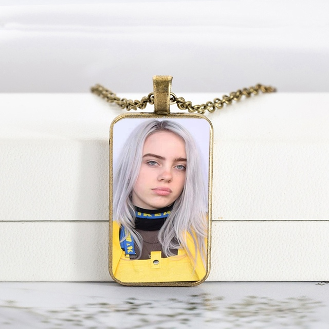 RECTANGLE GLASS BILLIE EILISH NECKLACE (26 VARIAN)