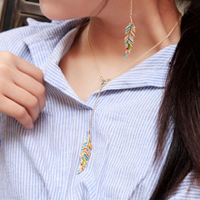 Simple Feather Crystal Pendant Necklace Women Fashion Multicolor Alloy Clavicle Chain Girl Jewelry Accessories graceful alloy faux feather necklace for women