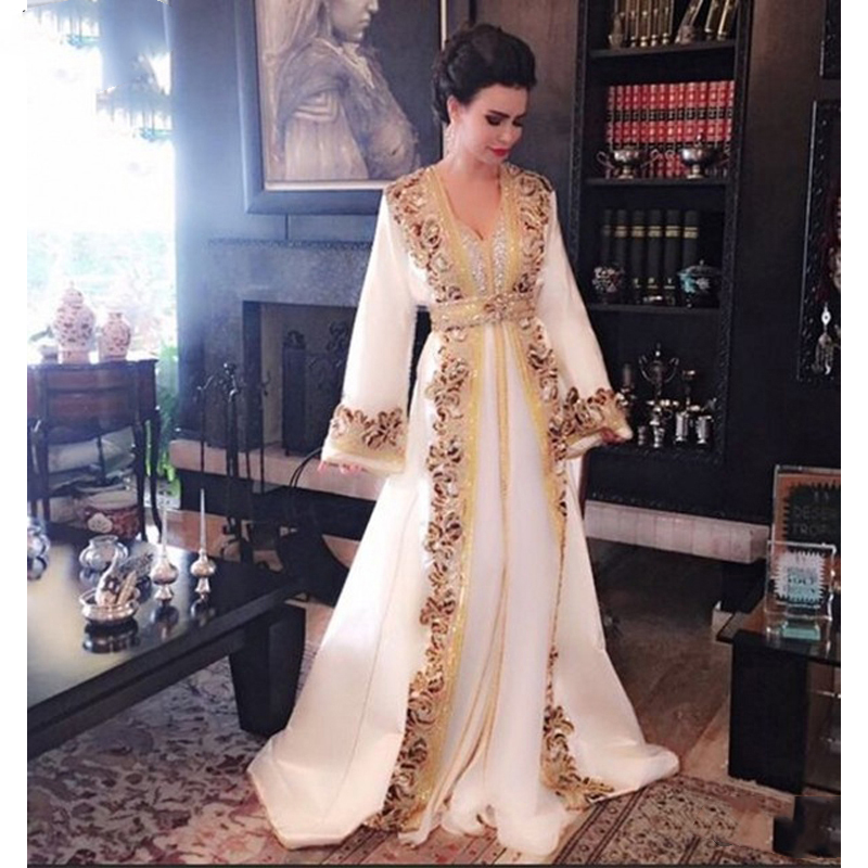 Morrocan Kaftan Muslim Long Evening Dresses Luxury Dubai White Beaded Appliques Dress Long Sleeves Formal Dress Prom Party Gown