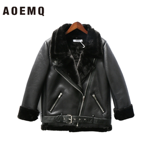 Image 2 - AOEMQ Retro nowy klapa i aksamitne wyściełane futro jeden płaszcz ciepła moda PU skóra jagnięca odzież motocyklowa Bomber Jacket