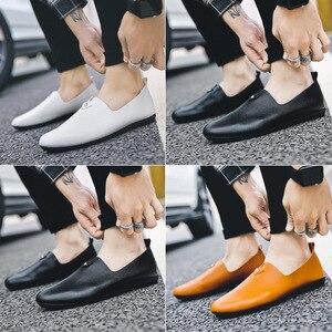 Image 4 - Moda concisa ocio hombres mocasines ligeros lisa, primavera otoño zapatos planos de conducción clásicos Soft ComfySlip en zapatos