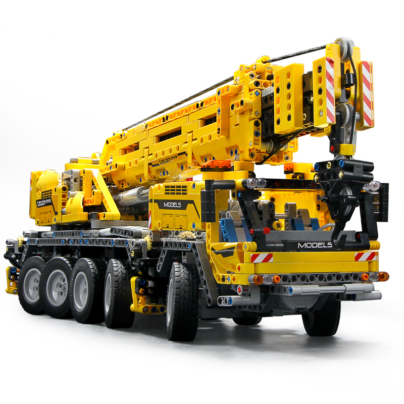 MOC Technic Series Motor Power Mobile Crane MK II Car Model Kit Building Blocks Bricks Compatible with Lepining <font><b>42009</b></font> DIY Gifts image