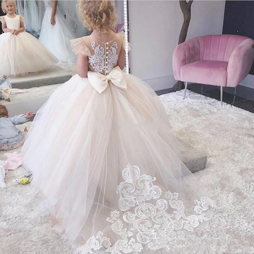 Cute Sweep Train Flower Girl Dresses For Western Formal Weddings Crew Neck Cap Sleeve Appliqued Bow Back Long Toddler Kids