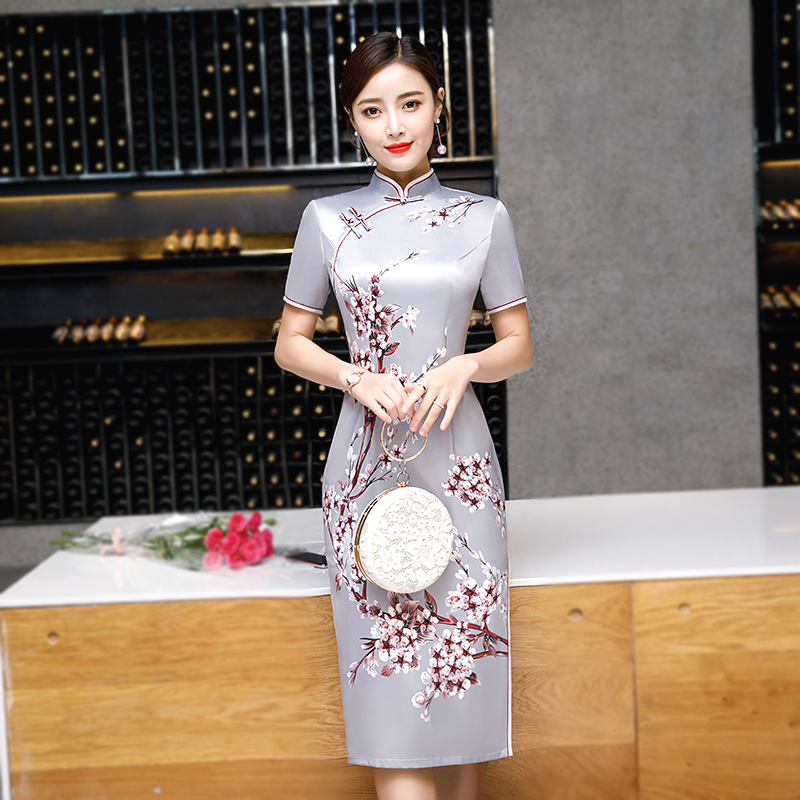 4XL 3XL Women Traditional Chinese Clothing Violet Knee Length Qipao Cheongsam 2019 New Feast Meeting Plum Printing Cheongsam