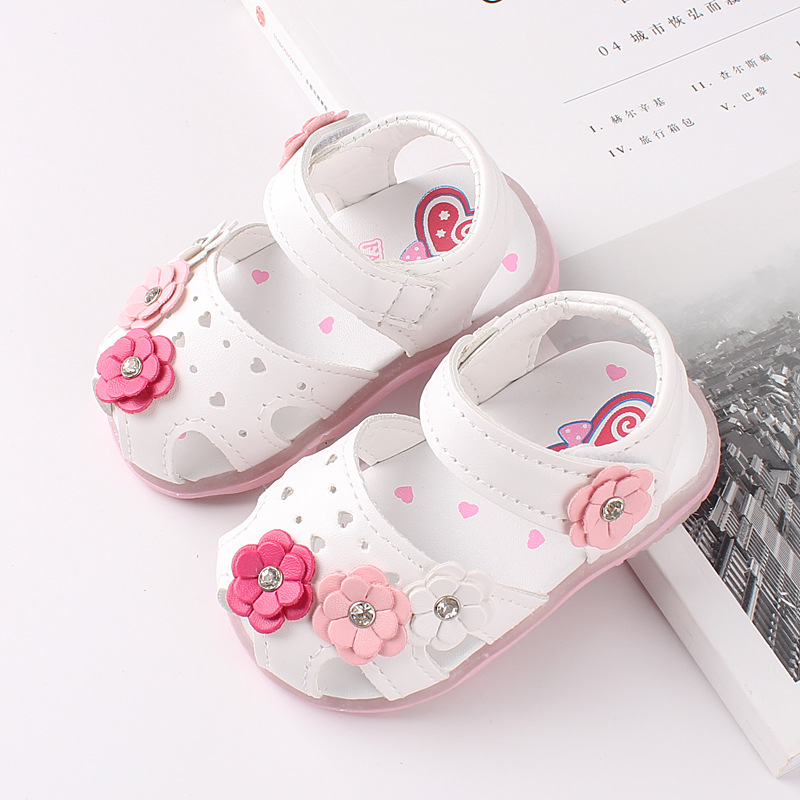 2019 Newest Summer Kids Shoes Fashion Leathers Sweet Children Sandals For Baby Girls Toddler Breathable  With LED Light Lumious