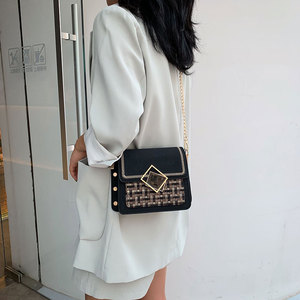 Image 3 - 여성을위한 스크럽 가죽 직조 크로스 바디 가방 2021 가을 체인 숄더 간단한 가방 여성 체인 럭셔리 핸드백과 지갑