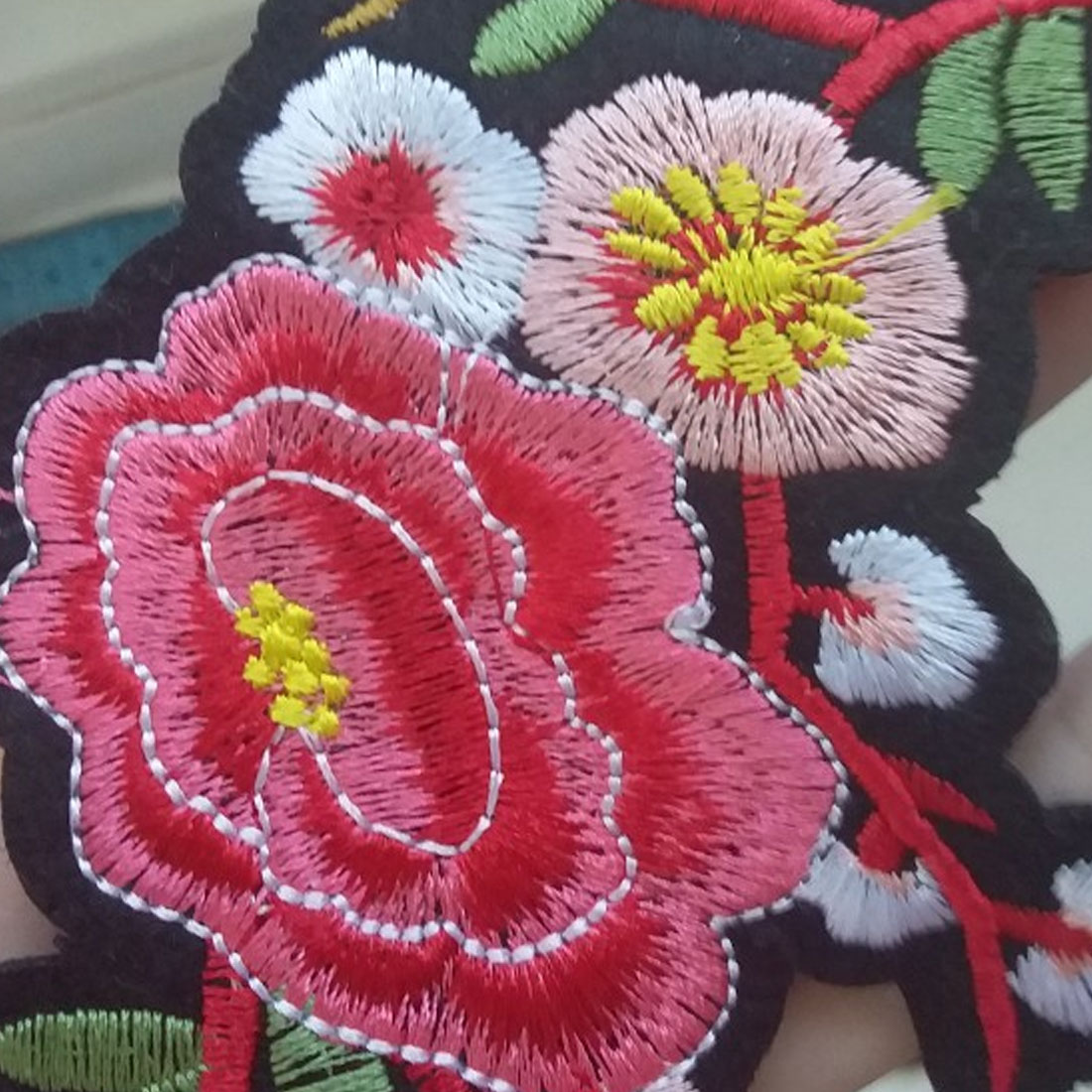 Pair of Pink Rose Patches Iron Sew On Jacket T Shirt Jeans Flower Patch Badge