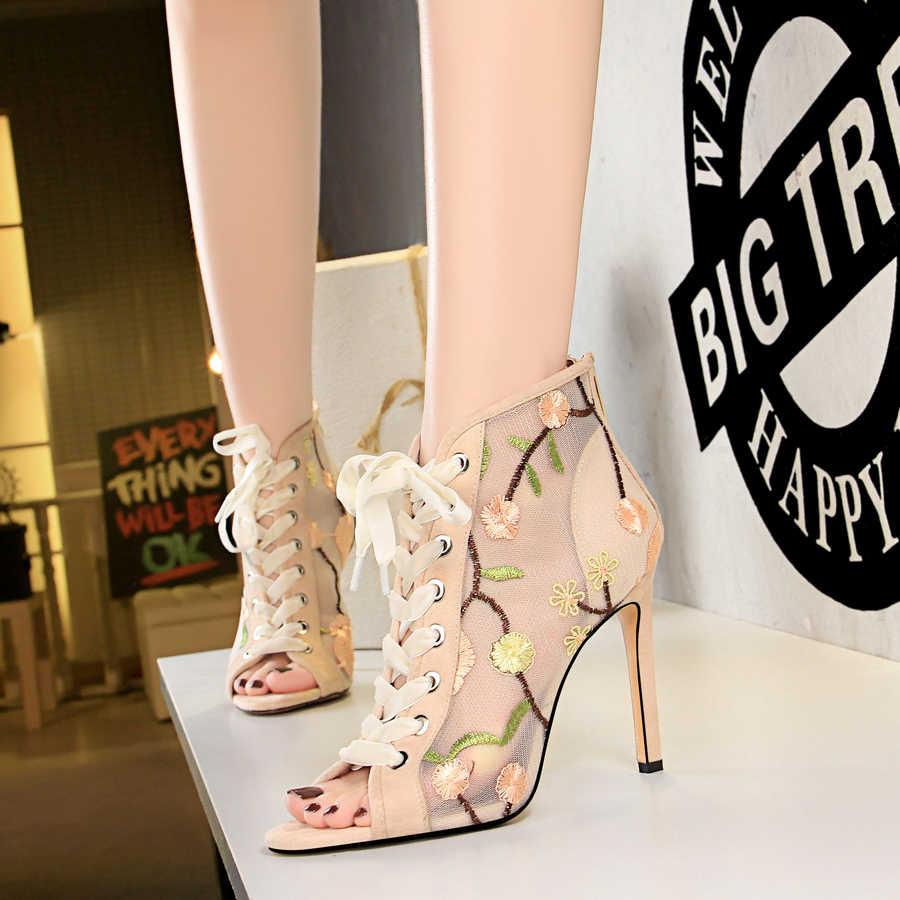 Lace up รองเท้าส้นสูงแฟชั่นปลาปากเปิดนิ้วเท้าส้นสูง stiletto สีดำตาข่ายปักรองเท้าผู้หญิงรองเท้าข้อเท้ารองเท้า cross เข็มขัด