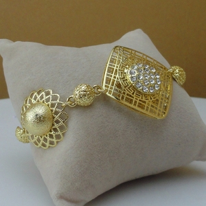 Image 4 - Yuminglai 2019  Fashion Dubai Luxury Jewelry Set Three Color Plated Gold Lady Jewelry Sets FHK8533