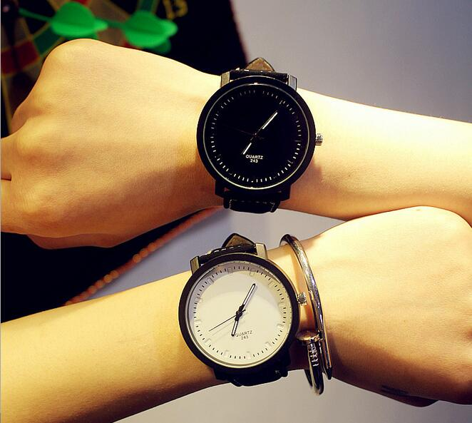 High Quality Alloy Couple Quartz Watch Fashion Casual Simple Women Men Lover Leather Band Wrist Watch Gift Parejas