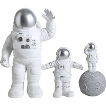Creative Lovely Modern Astronaut Miniatures Figurine Resin Craft Home Garden fashion tabletop Furnishing articles wedding decor(China)