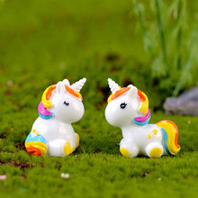 Cute Resin Unicorn Ornament Family Micro Landscape Decoration Mini Unicorn Crafts Miniatures Figurines For Home Decor