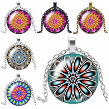 HOT! 2019 New Fashion 3 Color Kaleidoscope Glass Cabochon Pendant Necklace Mandala Flower Decoration