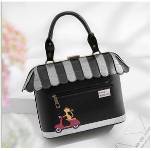 Image 4 - IPinee 2020 femmes sac à bandoulière italie Braccialini sac à main Style rétro à la main Bolsa Feminina pour dames maison en forme de sac