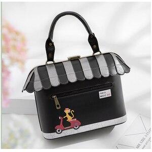 Image 4 - iPinee 2020 Women Shoulder Bag Italy Braccialini Handbag Style Retro Handmade Bolsa Feminina For Ladies House Shaped Bag