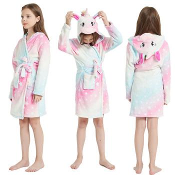 Jednorożec Rainbow Kigurumi szlafroki dla dzieci dorosłych kreskówka zwierzęta bielizna nocna dla dzieci Homewear piżamy dla dzieci szlafroki plażowe ręczniki tanie i dobre opinie Little Bitty Poliester Pasuje prawda na wymiar weź swój normalny rozmiar Flanelowe Unisex Zwierząt