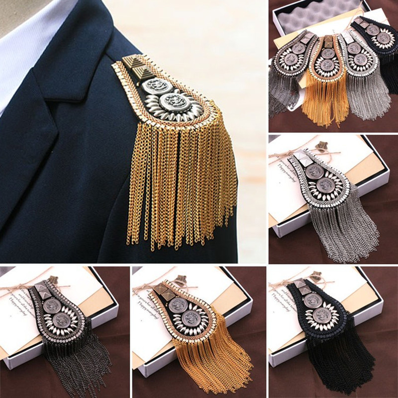 Handmade Epaulette biżuteria Tassel Chain duże ramię broszka Metal epolet kolce Blazer akcesoria wojskowa przypinka na broszka Medal