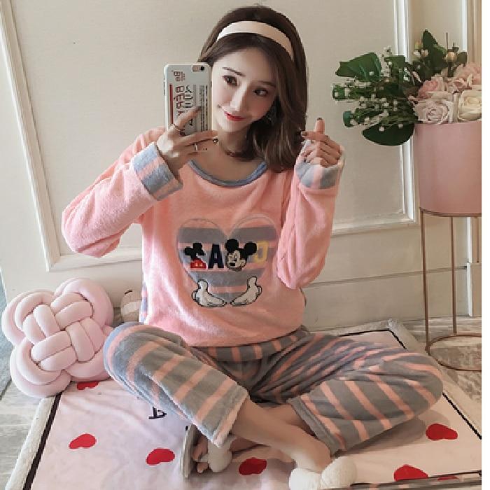 2019 Flannel Warm Pajamas For Women Long Sleeve House Suit Ladies Round Neck Full Length Velvet Pajamas Thick Feminino Pyjamas