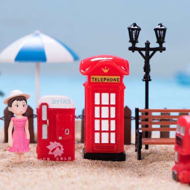 BAIUFOR Vintage Red Mailbox Telephone Booth Bus Figurines & Miniatures Sand Table of Building Model Child kids Toys 5