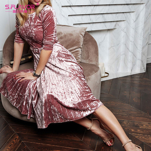Image 4 - S.FLAVOR kobiety Slim aksamitna sukienka moda jesień rękaw 3/4 Vintage plisowane sukienki Winter Party Vestidos De