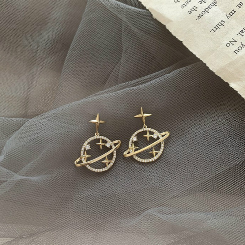 Korean Earrings feminine style hollow out Star versatile design ear stud new fashion ear accessories